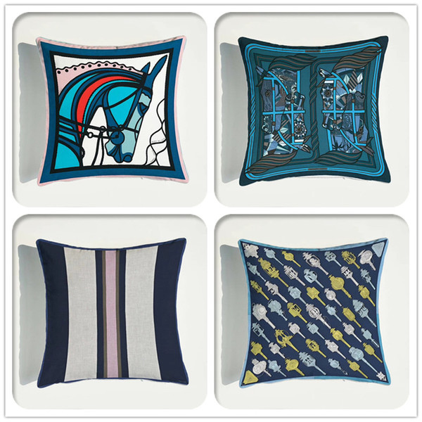 top popular European Luxury Soft Velvet Sofa Decorative Cushion Cover Fashion Print Throw Pillowcase Home Decor Pillow Cover 2021