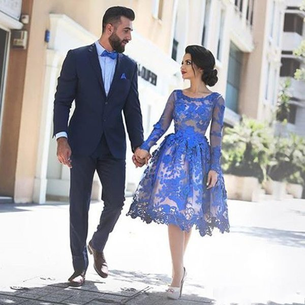 2019 robes de cocktail en dentelle bleues à manches longues en dentelle longueur au genou une ligne robes de soirée de bal