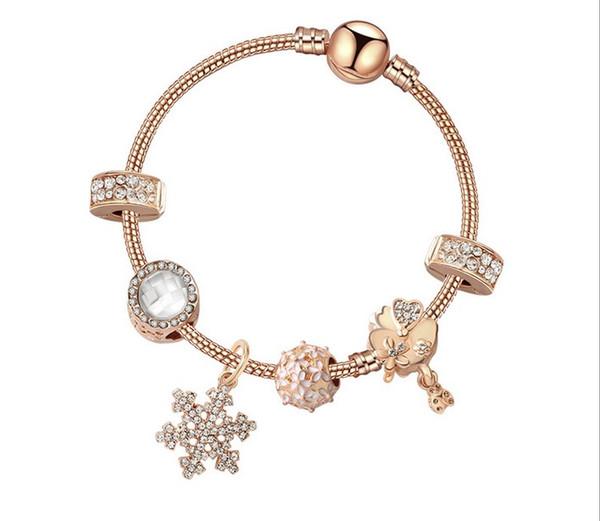 2019 Nouvelle Rose Or Charme Bracelets Charmes Flocons De Neige En Cristal Pendentif Balancent Pour Les Femmes D'origine DIY Bijoux Fit Européenne Bracelet De Noël
