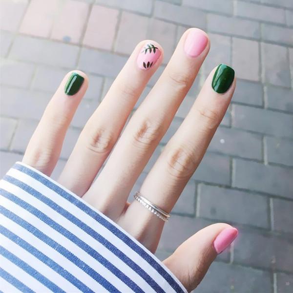 Le Japon et la Corée du Sud Nail Art Terminé Court Mode Pop Nail Tips Durable Étanche Patch Feuille Rose Vert