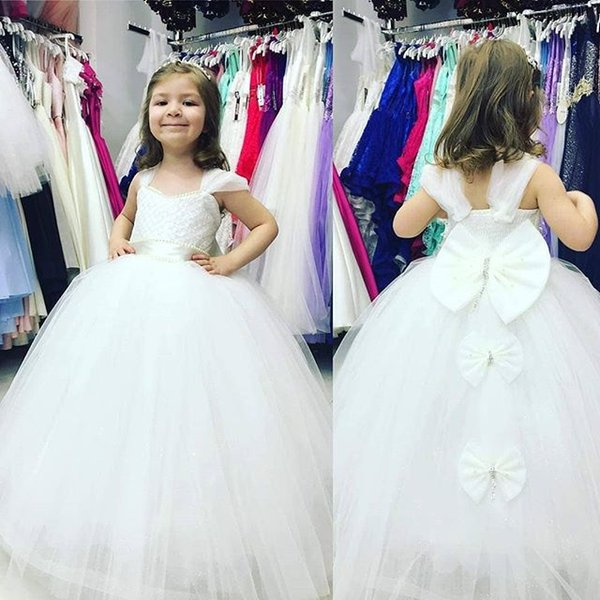 2019 Lovely Princess Flower Girls Dresses Spaghetti Straps Puffy Tulle Back Cover Bow First Communion Dresses Girls Pegant Gown Custom Made
