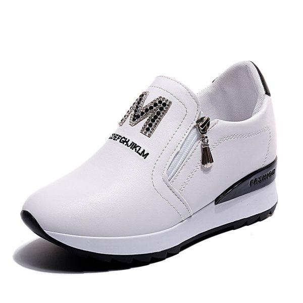 Nuove scarpe da tennis con zeppa di diamanti Piattaforma Scarpe da donna slip-on Sneaker da donna Scarpe da ginnastica bianche / nere Scarpe casual da donna