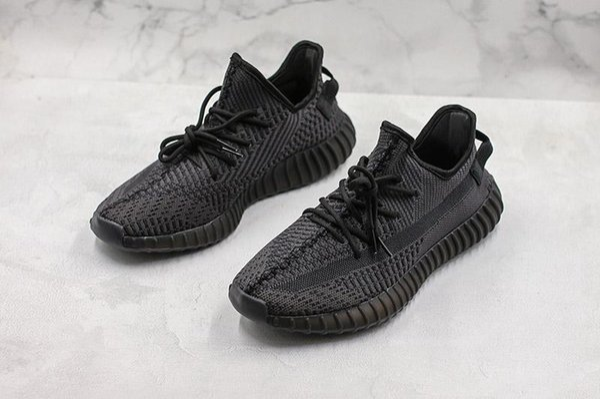 2019 Nueva llegada Kanye West v2 Negro de alta calidad FU9013 Zapatillas de running para hombre Moda Mujer Zapatillas de deporte Tamaño 36-45 c000