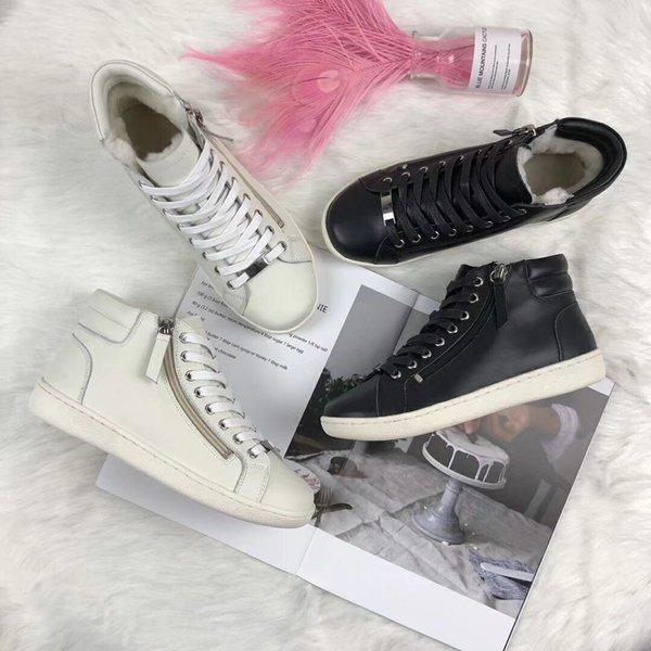 ZX Le nouveau style européen de luxe dames bottes en cuir chaussure de dentelle Bottes de moto étoiles pur décoratif bottes chaudes cheveux à l'intérieur de la mode