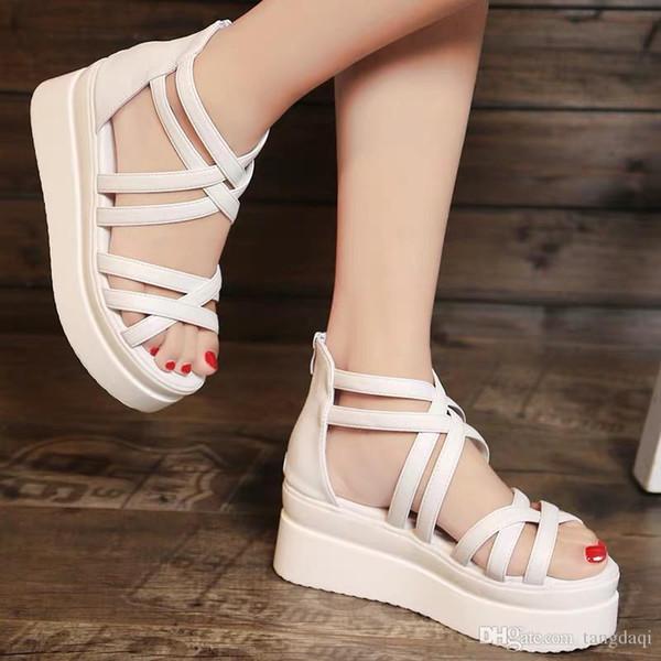 Coreano 2019 sandálias de bandagem de bolo mulheres Xia Pingdi estudantes sapatos simples e grossos boêmios brancos e femininos simples
