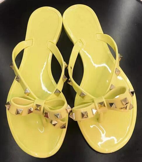 Moda playa uñas zapatillas remaches serie chanclas zapatillas mujer