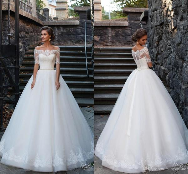 New Garden Style A-line Wedding Dresses Vesitos De Novia Off Shoulders Half Sleeves Button Back Long Bridal Gowns with Button Back