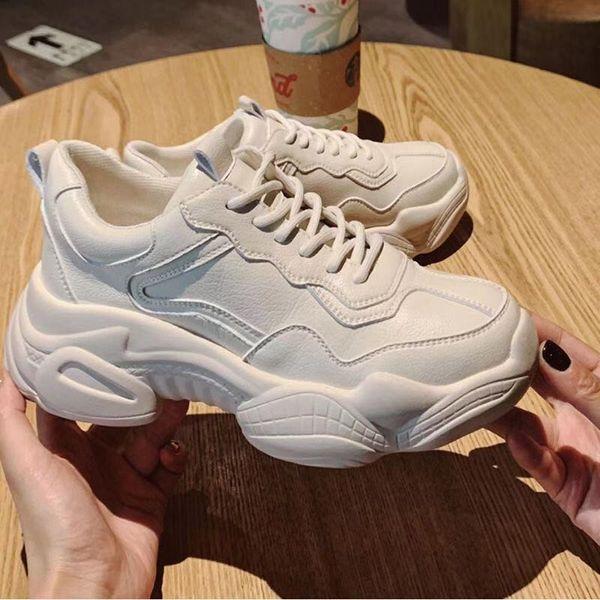 Kadın 2019 bahar yeni kalın ayakkabı Kore versiyonu rahat beyaz ayakkabı su geçirmez dünya patlama