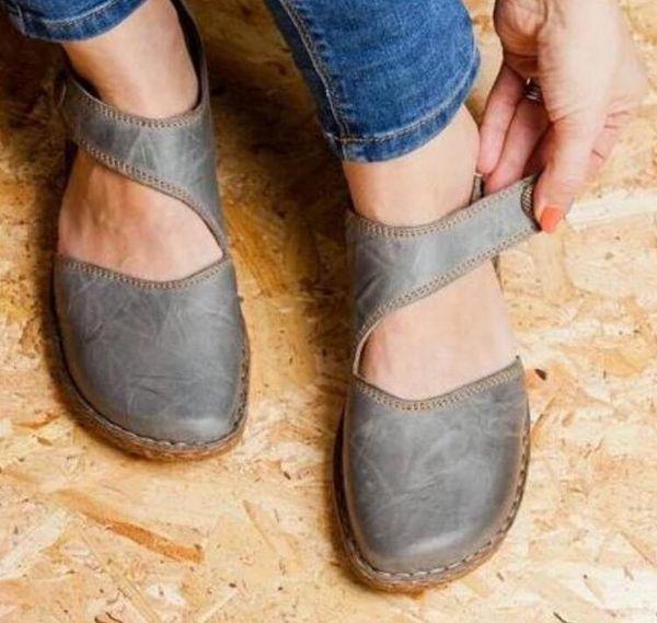 Brand Designer Baotou Sandals Vintage Leather Hollow Out Buckle Female Flat Slingback Soft Comfortable Slipper Women Shoes