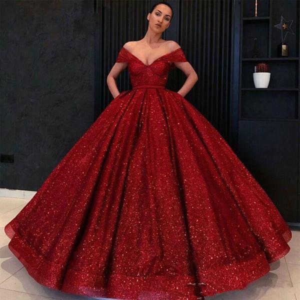 Sparkly Quinceanera Elbiseler Kırmızı Sequins Gelinlik Modelleri Kapalı Omuz Kolsuz Fermuar Geri Parti Elbiseler Moda Kabarık Dubai Ünlü Evenin