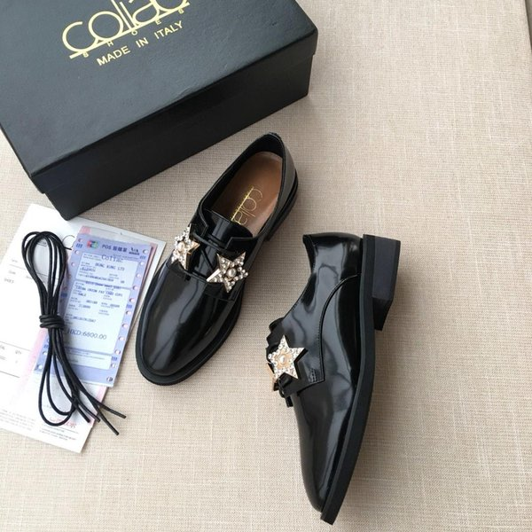 2019 Italian new luxury Coll @ c style British small metal shoes lace decoration ladies dress small shoes. Design dress shoes casual shoes o