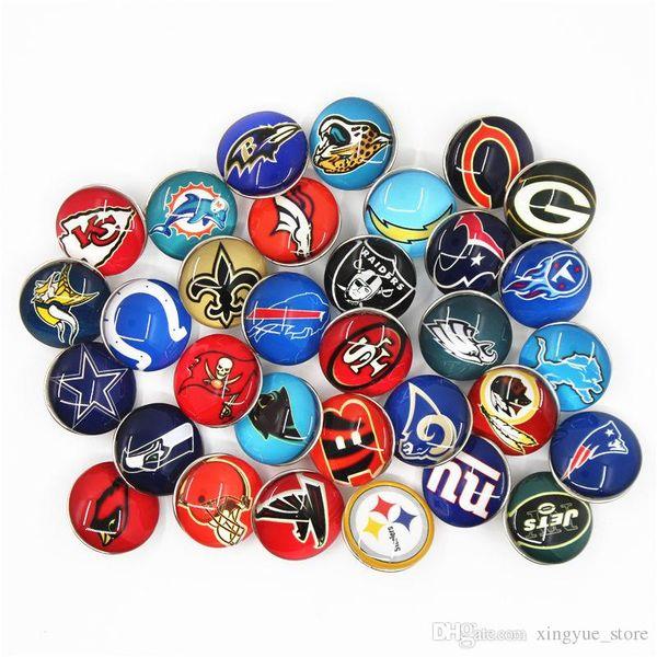 32 adet / grup Karışımları Spor Futbol Takımı Yapış Düğmeler Cam Yapış Charms Fit 18mm DIY Zencefil Yapış Bilezik Değiştirilebilir Düğme takı