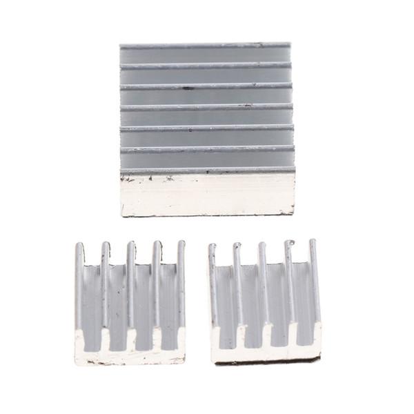 Dissipatore di calore di alluminio espulso 3pcs per il dissipatore di calore del radiatore del dispositivo di raffreddamento del chip del LED di alto potere 14 * 14 * 5mm / 8 * 8 * 5mm