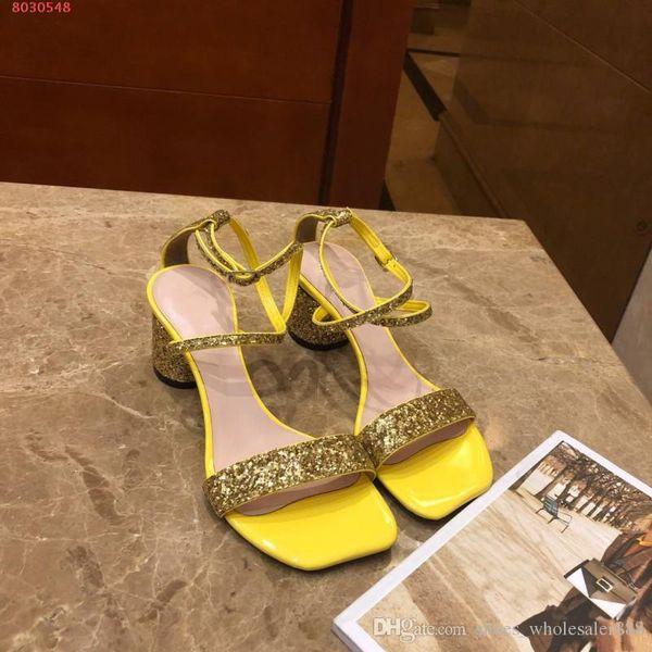 2019 mais recentes sandálias das mulheres, Material brilhante mulheres bonitas sapatos, confortáveis sandálias delicadas, venda quente em