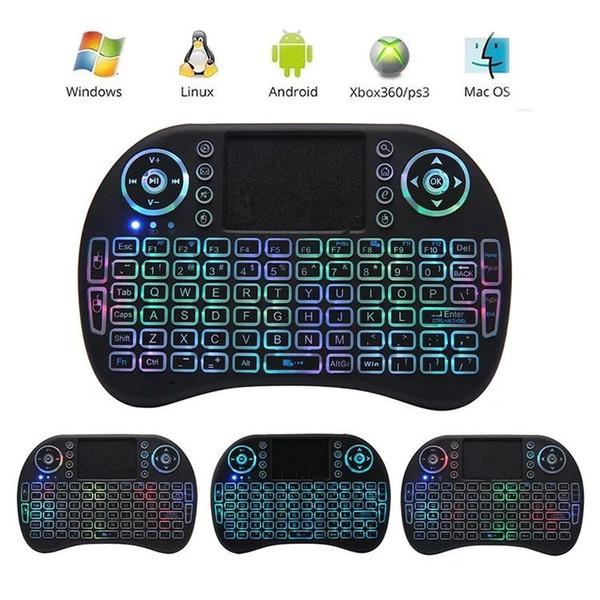 Hintergrundbeleuchtung der Tastatur-I8 Luft-Maus 2.4GHz drahtlose Spiel-Fernbedienung Eingebaute Lithiumionbatterie im Kleinpaket 30pcs / lot