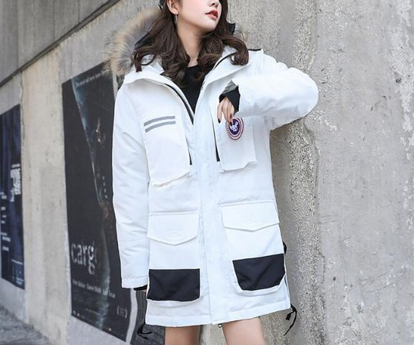 2018 new down jacket men and women in the long white eiderdown large size couple coat military goose