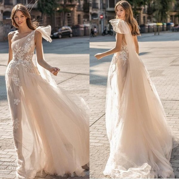 2019 Berta Beach Wedding Dresses Sheath One Shoulder Lace Appliqued Sexy Backless Boho Wedding Dress Custom Made Champagne Bridal Gowns Lace Fitted