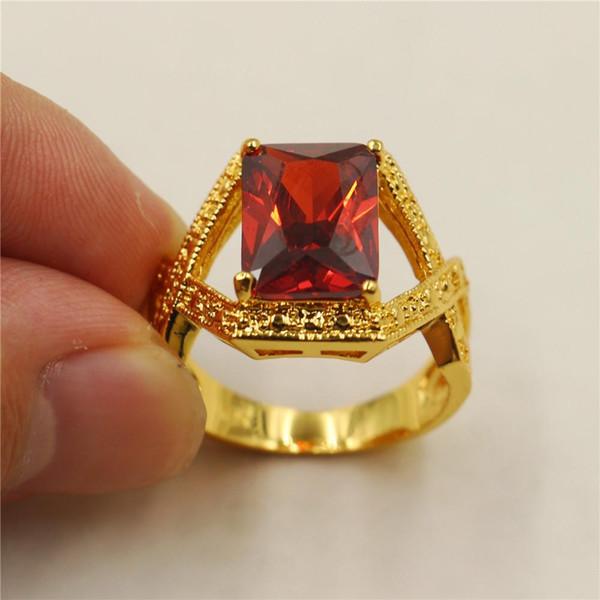 Anello vintage da uomo in oro giallo 18 carati con smeraldo rosso taglio smeraldo
