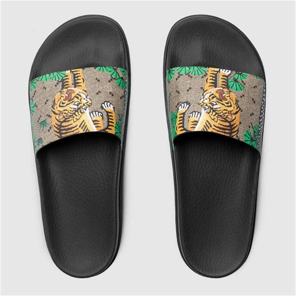 De Designer Famous Rubber Slippers Ladies Sexy Sandals Summer House Slippers Flip Flops with Box Size:35-45 Open Toepantshoes