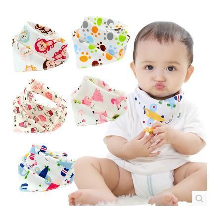 35 Stiller Bebek Baskı Tükürük Havlu Bebek Bebek Erkek Kız Tasarımcı Giyim Pamuk Üçgen Yenidoğan Turban Önlüğü Eşarp Çift çekin 19