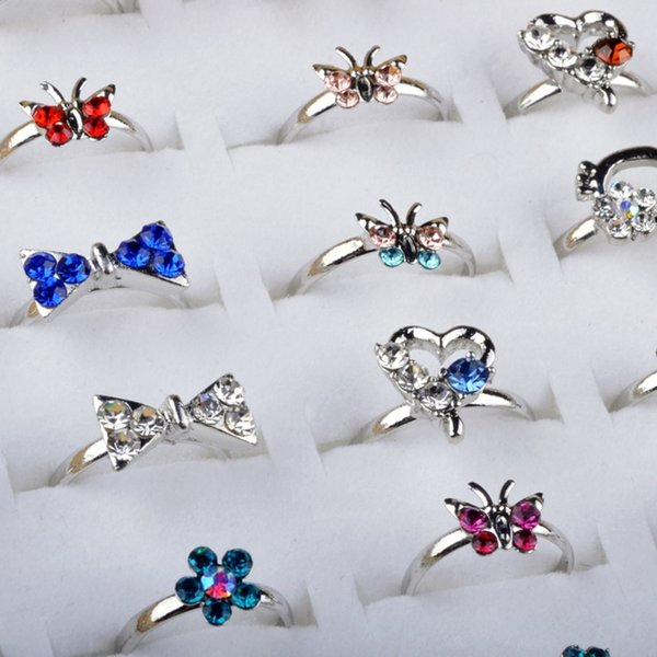 Bulk 50pcs Heart Design Crystal Flower Butterfly Rings Children Kids Girls Silver Plated Ring Party Fashion Jewelry Adjustable