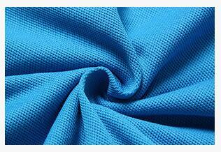 الأزرق الملونة