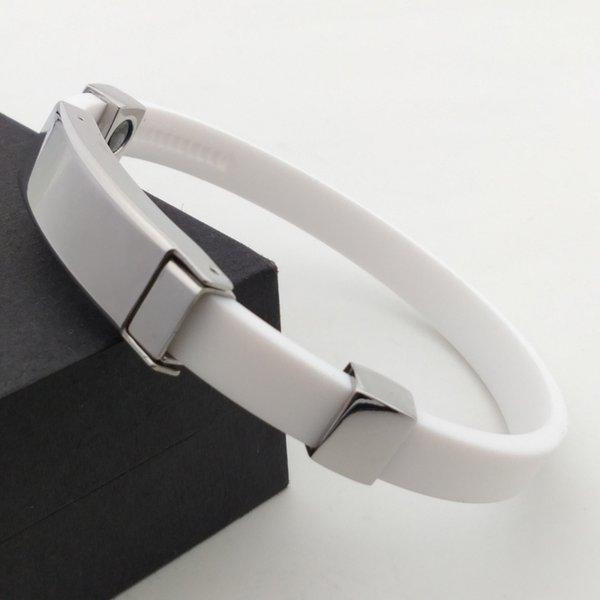 white 22.5cm