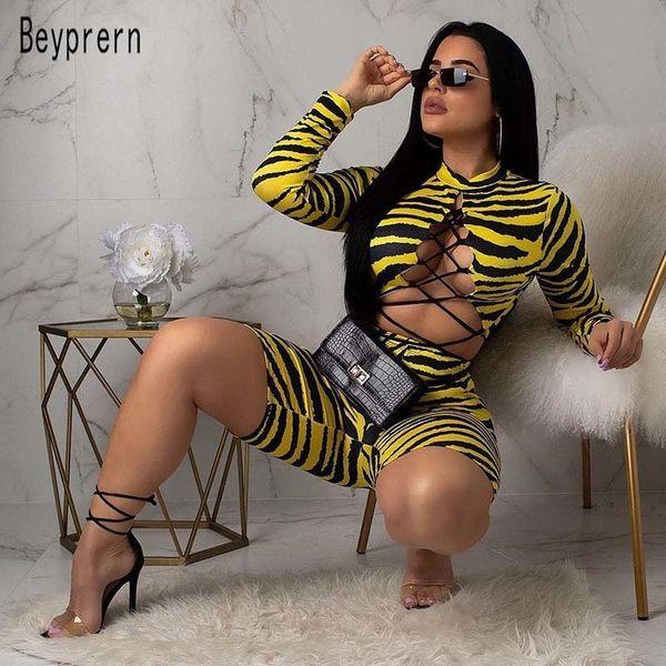 Beyprern Wild Workout Animal Printed Pantaloncini Set da donna Tuta Lace Up Crop Top e biker Pantaloncini Sweat Suit coordinati Set Y19062501
