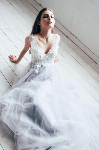 White Lace and Pale Grey Wedding Dresses 2020 Spring Fancy Deep V Neck Floral Appliques Tulle A Line Bridal Gowns Customize Plus Size