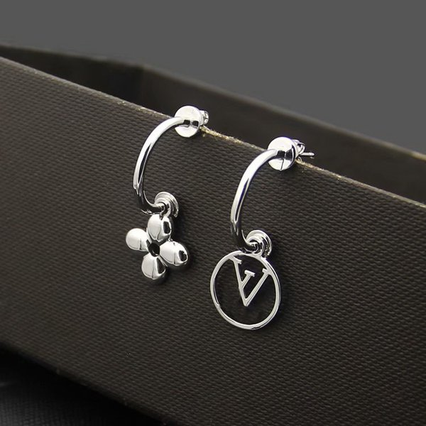 Earrings/White gold