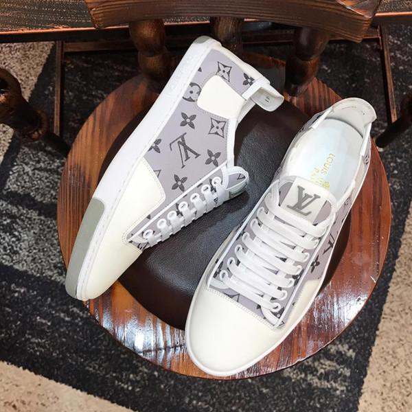 2019J Novos sapatos casuais masculinos de alta qualidade, tênis, viagens ao ar livre. Sapatos casuais masculinos, um pedaço de embalagem original da caixa