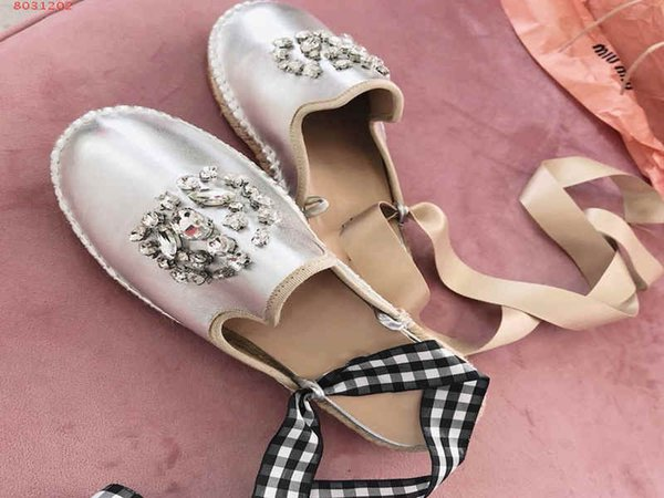 2019 fashion women shoes Diamond decoration sliver and pink Women flat shoes with soft soles nobleness choice