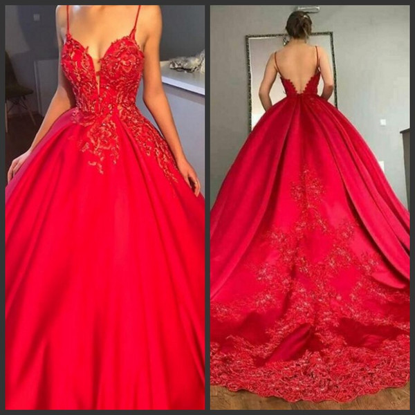 Red Lace Prom Dresses Spaghetti Strap V Neck Lace Appliques Ball Gown Evening Dresses Sweep Train Sexy Backless Cocktail Party Gowns Prom Dresses