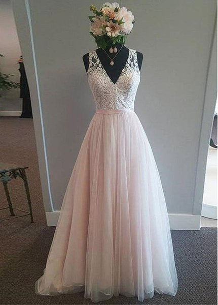 Cheap Modest Tulle V-neck Neckline A-Line Wedding Dress With Lace Appliques boho Belt lace ball gown beach Bridal Gowns vestido de novia