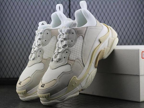 Nuevo 2019 Triple S Zapato Hombre Mujer Zapatilla de deporte Alta calidad Colores mezclados Tacón grueso Abuelo Papá Entrenador Triple-S Calzado casual con zapatos de ascensor
