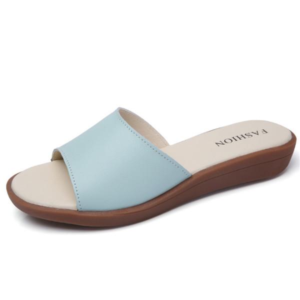 2019 yaz yeni kadın terlik Kore rahat deri sandalet düz dipli basit kaymaz plaj ayakkabıları giymek