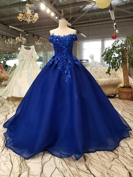 Abiti da sera blu royal vintage con fiori in 3D 2019 Abiti da ballo lunghi in pizzo Abendkleider Abiti da festa in rilievo Robe Longue