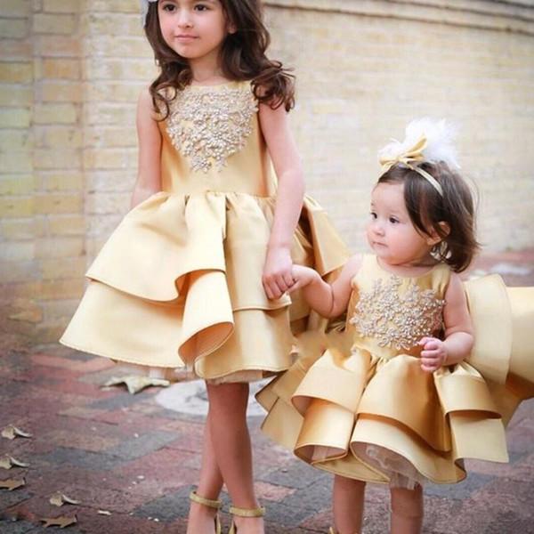 2019 nuevos pequeños bebés vestidos de flores para bodas con cuentas apliques gradas hinchadas encantadora fiesta de disfraces vestidos de princesa