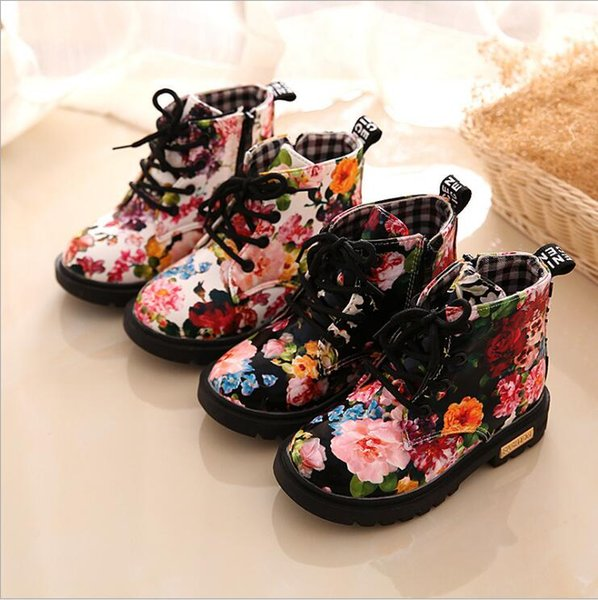 top popular Matin Boots Baby Snow Boot Girls Floral Skull Winter Shoes Boys Printed Lace-Up Leather Kids Shoes Flower Lattice Heart Peach Boots B6339 2019