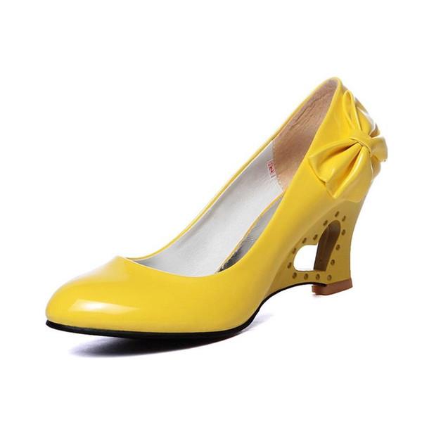 Designer Dress Shoes New Women's Pumps Sweet Princess Slip-on Wedding Party Woman High Heels Mary Janes Fretwork Heels Shine Best Sellers