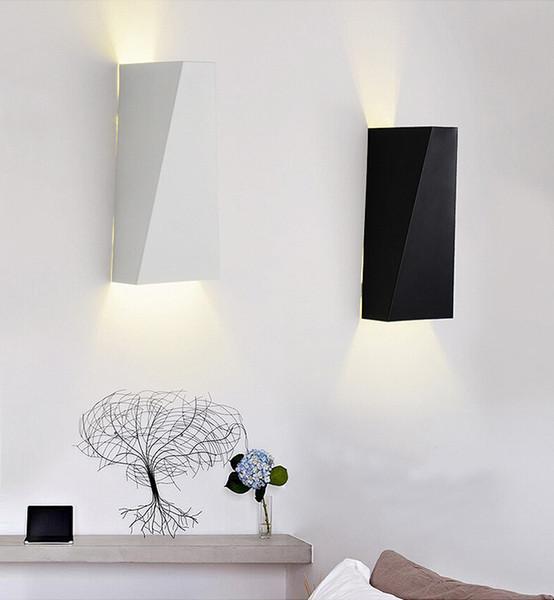 Acheter Moderne Simple Créatif LED Applique Murale Chambre Chevet Couloir  Balcon Personnalité Géométrique Trapézoïdale Lampe De Fer De $158.8 Du ...
