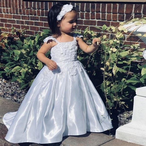 Cute Pure White Spaghetti Strap Flower Girls Dresses Lace Appliques Pleat Skirt Toddler Communion Dress Satin Kid's Party Gowns