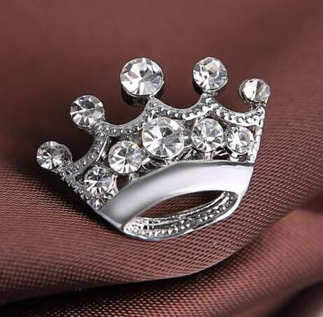 2019 new Fashion Silver Tone Clear Crystal Small Crown Pin Brooch B015 Very Cute Alloy Women Collar Pins Wedding Bridal Jewelry Accessories