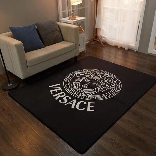Estilista de luxo impresso esteiras de carpete antiderrapante material de pelúcia curto espessamento têxteis lar decorativo sala de estar e carpete quarto novo