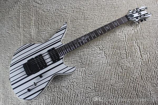 Trémolo Floydrose personnalisé en ligne blanc / noir avec sangle et logo Skull avec guitare électrique