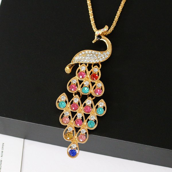 Colorful Crystal Rhinestone Peacock Pendant Gold Necklace Women's Alloy Pavo Necklace Delicate Banquet Jewelry