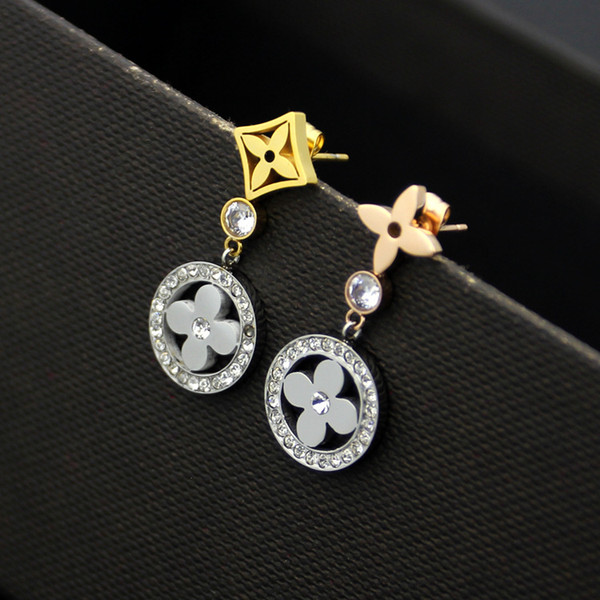Exquisite Fashion Style Lady Titanium steel Tassels Single Diamond Hollow Out Four Leaf Flower 18k Gold Plated Engagement Dangle Earrings