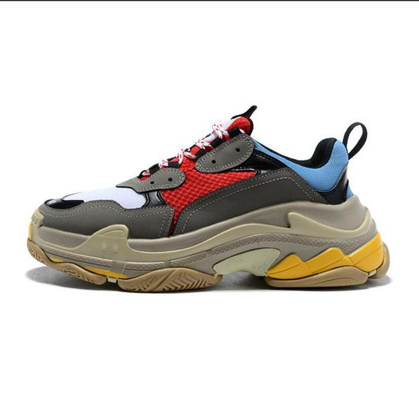 ¡Caliente! 2019 Moda azadones 17FW Triple-S Sneaker Triple S Casual Papá Zapatos para hombres Mujeres Beige Deportes Tenis Zapato de diseñador 36-45