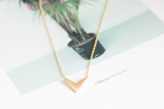 2014-Fashion-18k-gold-silver-womens-anniversary-chevron-v-pendant-necklace-Free-Shipping (4)