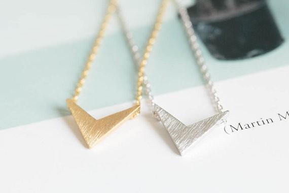 2014-Fashion-18k-gold-silver-womens-anniversary-chevron-v-pendant-necklace-Free-Shipping